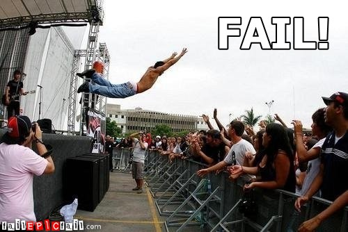 crowd-surfing-fail-crowd-surf-epic-fail-1291684122